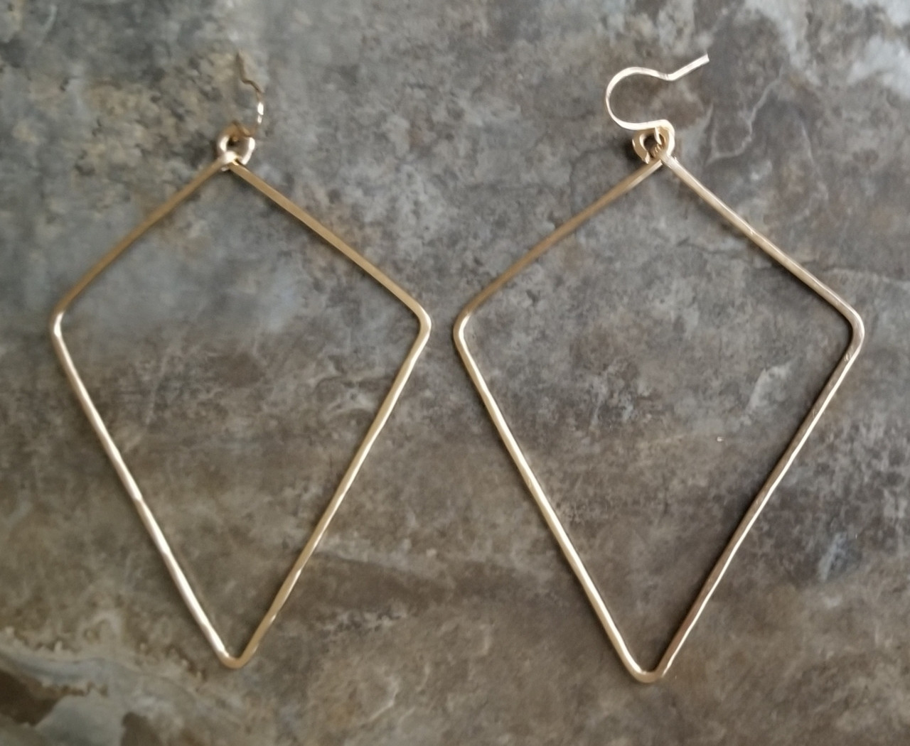 Diamond-shaped Earrings: Lrg