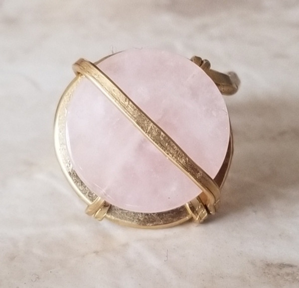 Circular Rose Quartz Ring