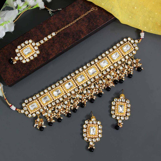 Black Color & Kundan Necklace Set
