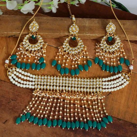 Beautiful Kundan Necklace Set Green