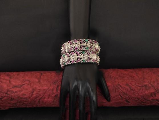 Designer Beautiful Antique Bangle Set