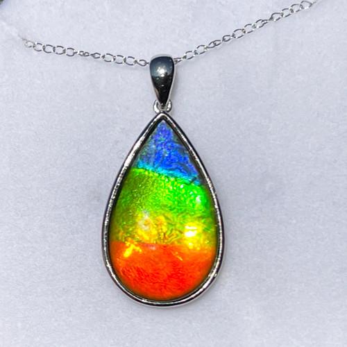 18KW Ammolite Pear Pendant Necklace 30GP