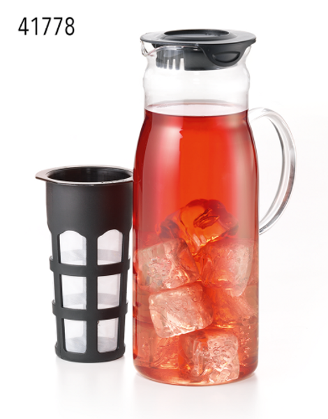 """Teapot """"Iceables TM"""" Glass, with Nylon strainer 40.6 fl. oz.Ideal for preparing iced tea!  Now you can enjoy all your favorite loose-leaf teas iced. For sweet, iced teas add sugar before adding the boiling water. You can also use the filter to infuse fresh fruits and other spices. Place your loose-leaf teas or bagged tea into the filter. Add your boiling water, place the filter into the container and clip the lid down. Allow your tea to brew until your desired strength. Dip the strainer in and out or gently swish now and then to release the tea. Pour over ice in a glass and enjoy! Refrigerate any remaining tea."""
