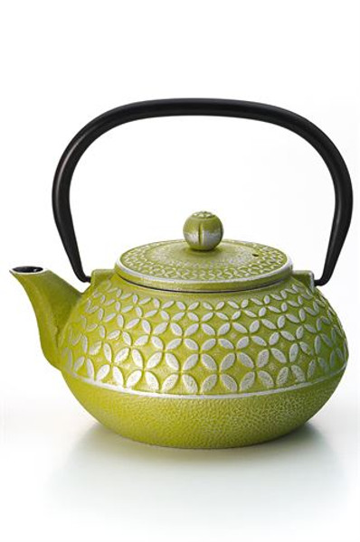"Teapot ""Hao"", ironware, green,  3 cup / 23.7 fl.oz.  Made of high quality materials and crafted by artisans in traditional ways for centuries with beautiful textured patterns and enameled inside. Cast Iron teapots are to be used just as you would a porcelain teapot by boiling water and pouring into your cast iron teapot.  Although these are made of cast iron, they are not a tea kettle which is made to withstand the high heat of the stove top.    green with relief  enameled inside,  To clean, rinse with warm water and hand dry.  Not dishwasher safe.  Not for stove top or microwave use."