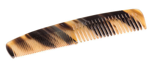 Double-Tooth Comb in Natural Horn