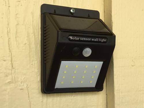 Outdoor Motion Sensor Solar 16-LED Security / Nightlight