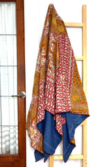 Kantha Quilt | Queen | Red & White | Filigree Pattern | Recycled Saris | Handmade in Bangladesh