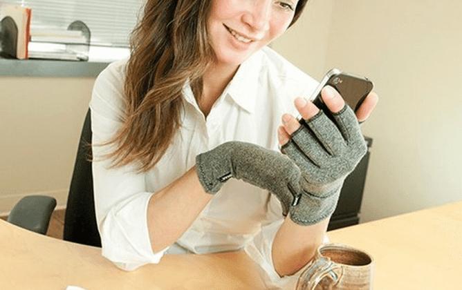 3 Benefits of Arthritis Gloves