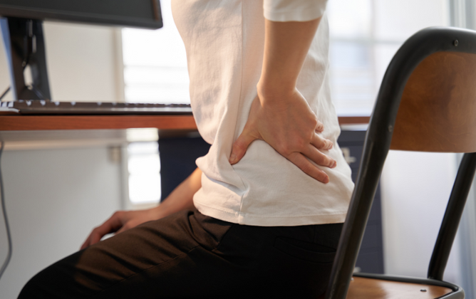 3 Ways to Prevent Back Pain When Working From Home