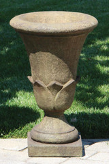 Frangelica Urn 24 inch