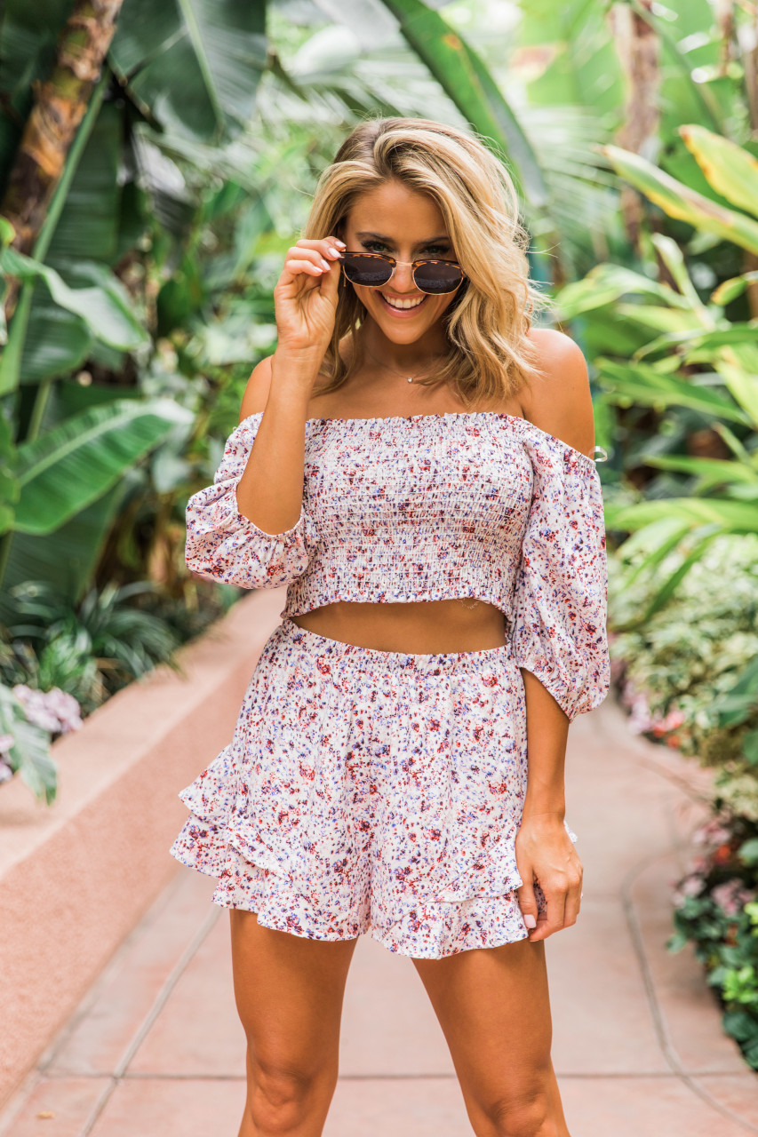 72fdff11ca1 A Beautiful Escape Ivory Floral Crop Top - The Pink Lily