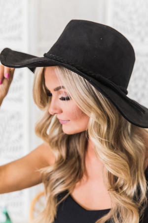 68d6825708a3f Find Fashion Hats for Women at Pink Lily! Shop Online Now!