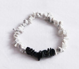 White howlite & Black agate chip crystal bracelet
