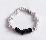 White howlite & Black agate chip crystal bracelet