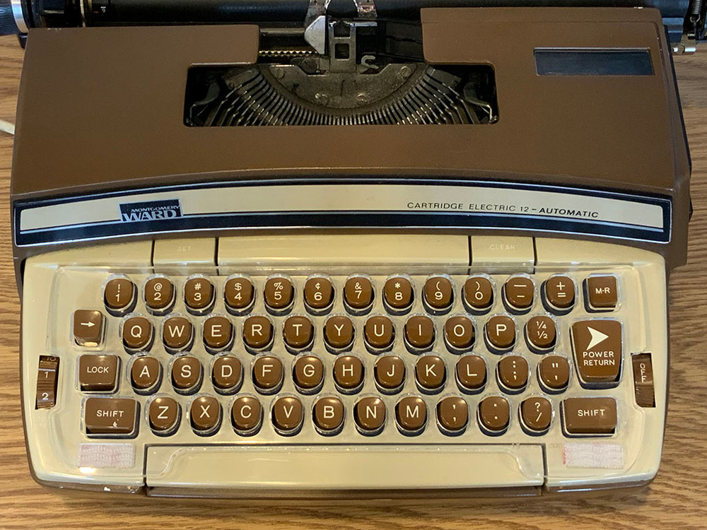 Keyguard on the Montgomery Ward branded version of the Super 12