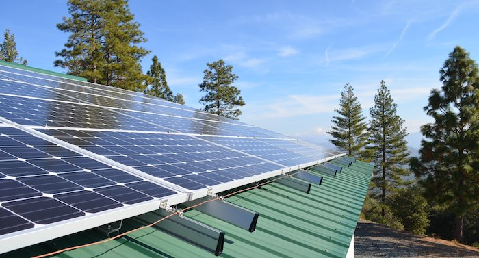 7kw-metal-roof-solar-array-yosemite-national-park