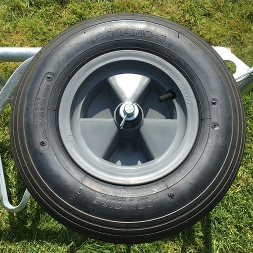 Wheelbarrow wheel - 4 PLY Pneumatic with bearings