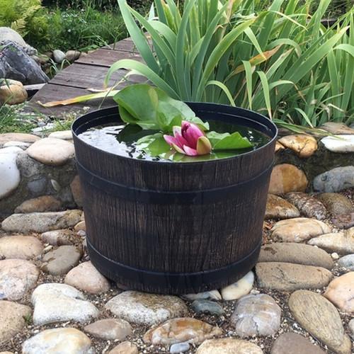 Garden planter, garden plant pot, half barrel