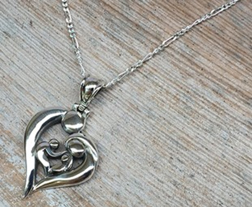 Family Heart Pendant - Perfect Gift