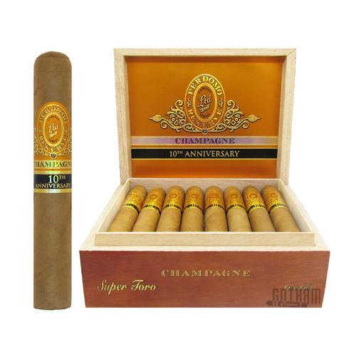 Perdomo Reserve Champagne 10th Anniversary Super Toro open box and stick