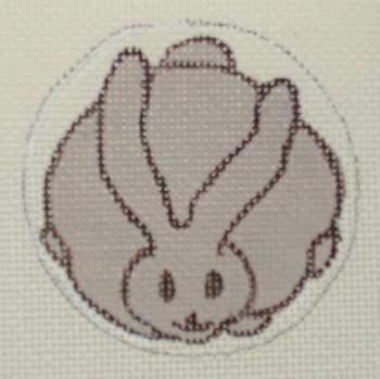 D-110 Rabbit Netsuke 2¾ 18 Mesh DECORATIONS