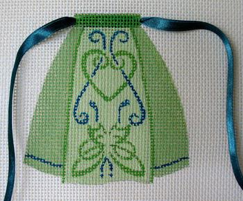 1603 March Celtic Knot 5 x 5 13 Mesh Apron Jane Nichols Needlepoint