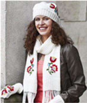 875030 Scarf & Mittens  Off White by Permin Kit