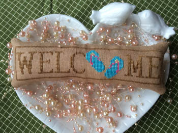2fab9bcc4 Wee Welcome - July Flip Flops 26h x 108w Needle Bling Designs 17-1803 YT