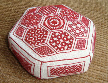 e05bdebb Red And White Pincushion by Works By ABC 18-2687 - The NeedleArt Closet