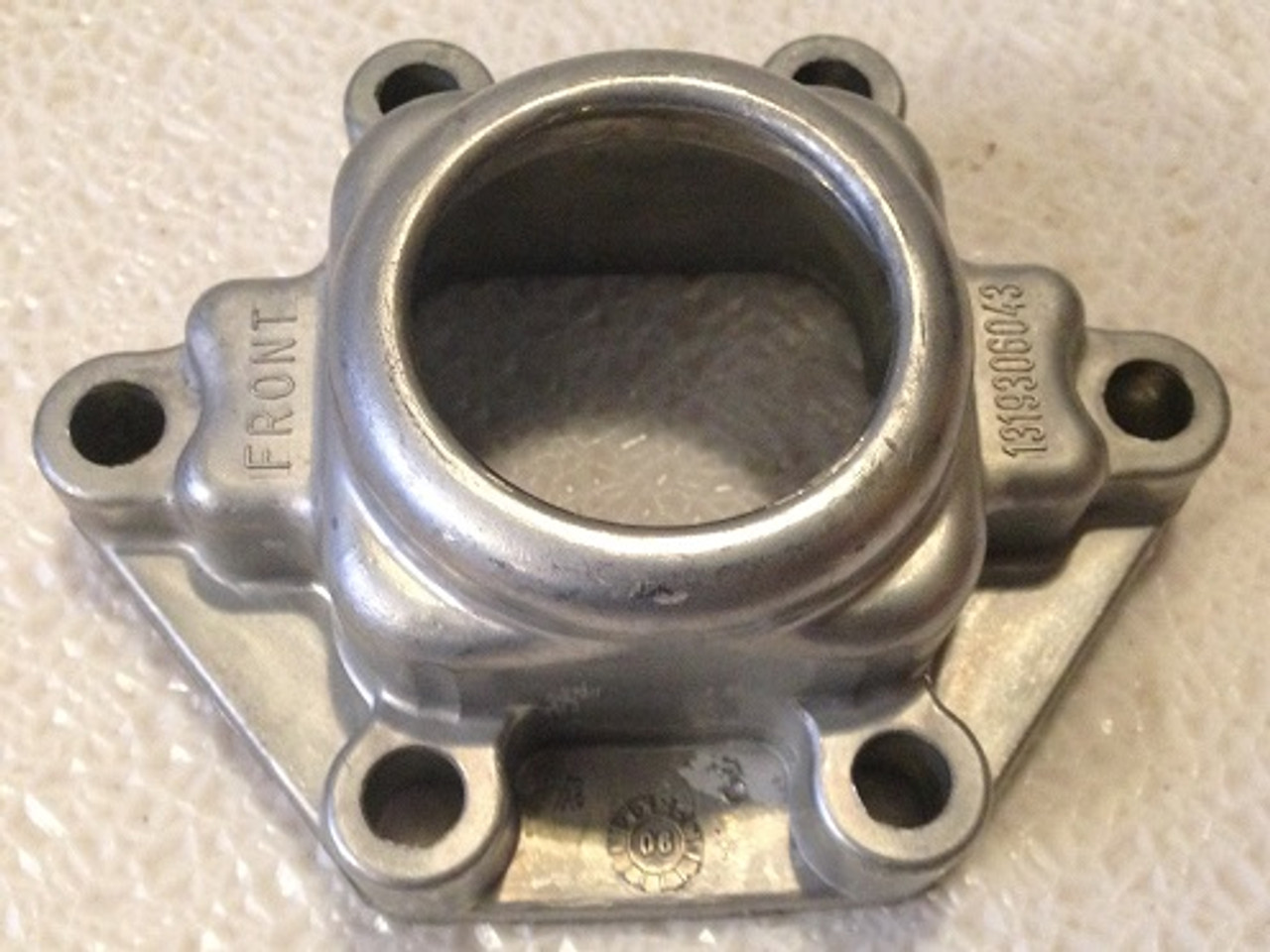 Ford F250 F350 F450 ZF 6 speed transmission S-650 intermediate midplate housing