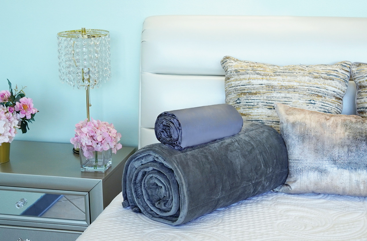Sweet Zzz weighted blanket and duvet on top of each other