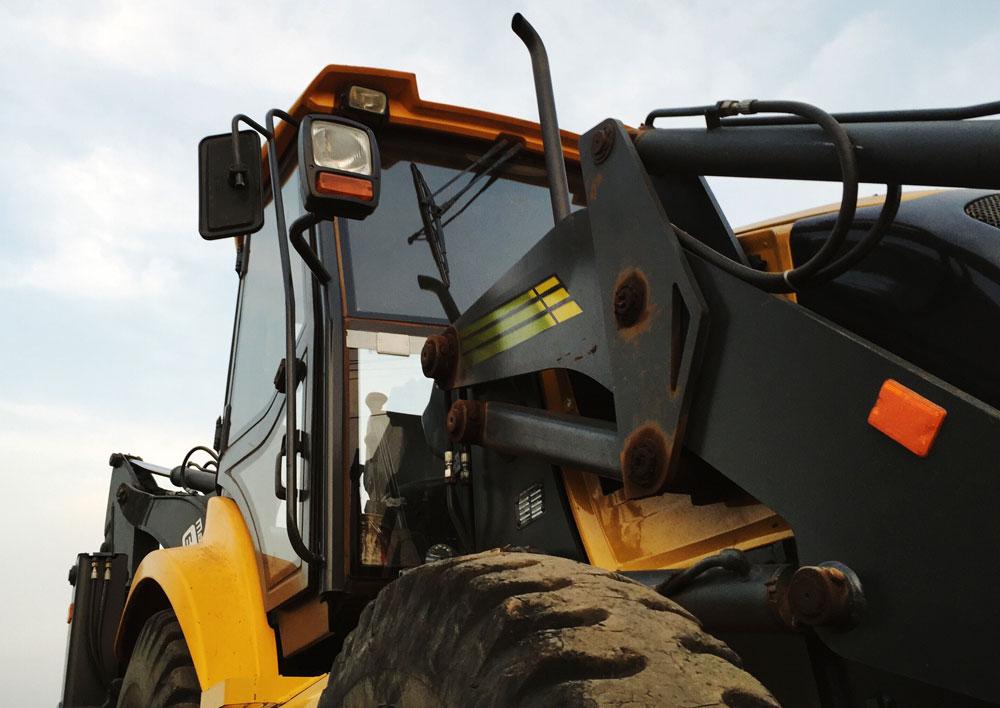 bagger-bulldozer-construction-pexels-052118.jpg