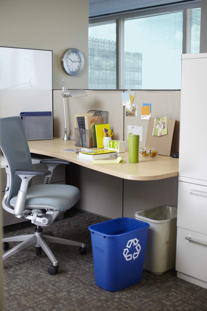 Rubbermaid Rectangular Wastebasket 26.6 L - Blue - FG295673BLUE