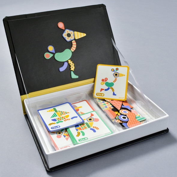 Moduloform Magneti Book, open box with contents