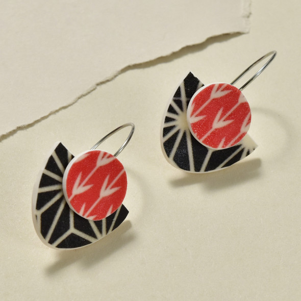 Dawn Polymer Earrings Black & Red