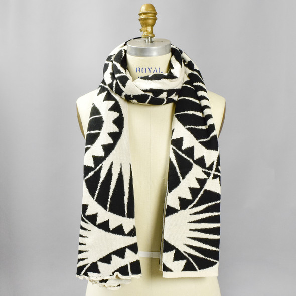 Cotton Shawl Sea Urchin Black & Cream, on mannequin