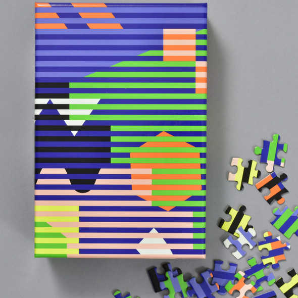 Lenticular Pattern Puzzle, box with pieces