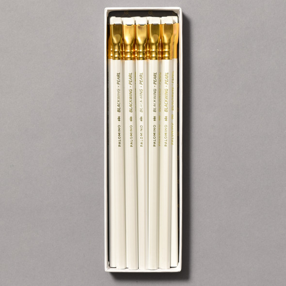 Blackwing Pearl Balanced Graphite Pencils in box