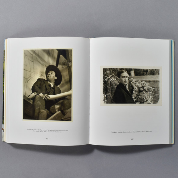 "Interior of the book ""Frida Kahlo"""