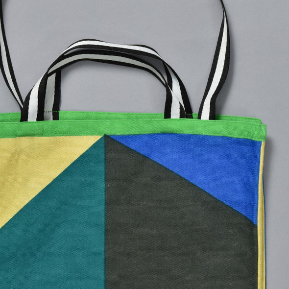 Heartmade Green Geometric Print Medium Tote, close up