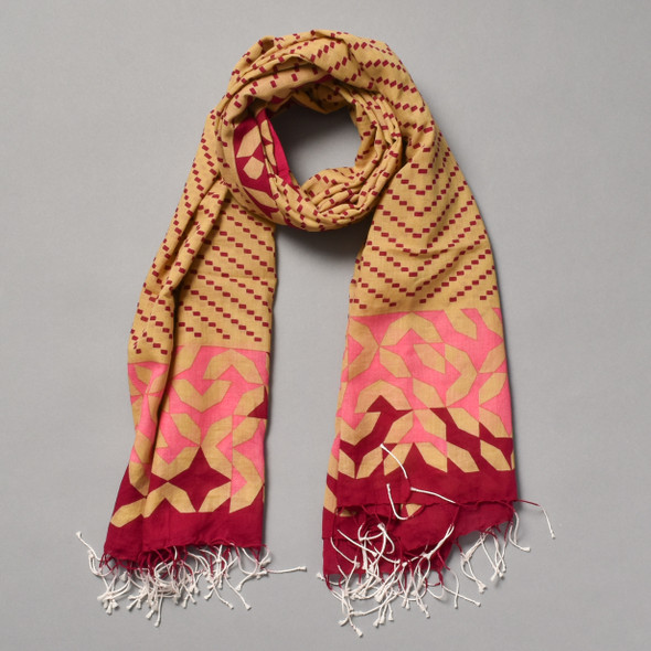 Heartmade Chevron Patterned Pink Scarf
