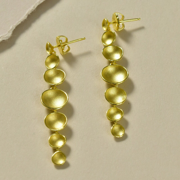 Long Post Dishy Full Gradient Gold Earrings