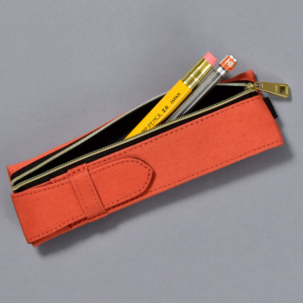 Midori Book Band Pen Case, with pencils