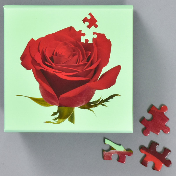 Little Puzzle Thing: Rose, box with pieces