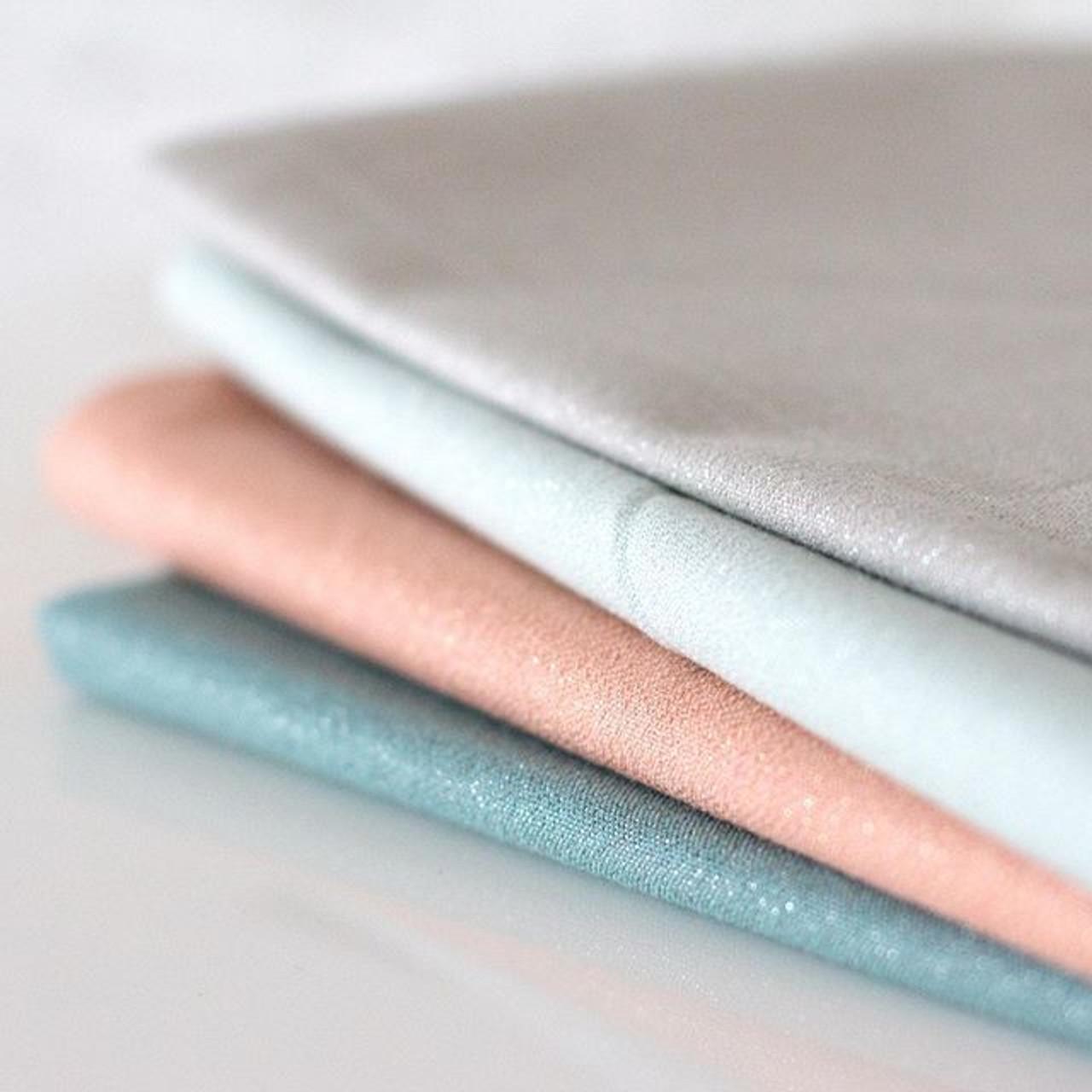 CLOUD 9, GLIMMER SOLIDS, 100% ORGANIC Cotton , Elegante Virgule Canada, Quilting Cotton