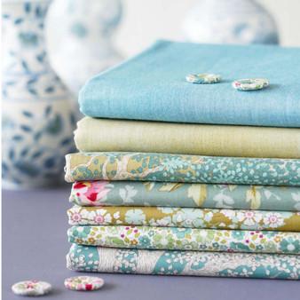 TILDA WOODLAND +  CHAMBRAY - Sage Bundle of 7 fabrics 100% Cotton. TILDA BASICS, Elegante Virgule Canada, Canadian Quilt Shop, Quilting Cotton