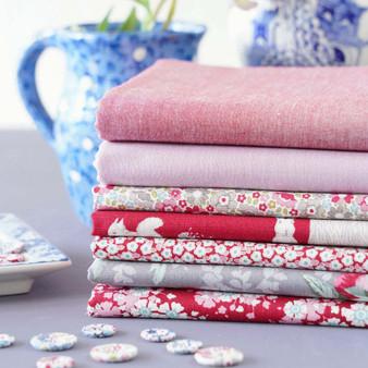 TILDA WOODLAND +  CHAMBRAY - Red Bundle of 7 fabrics 100% Cotton. TILDA BASICS, Elegante Virgule Canada, Canadian Quilt Shop, Quilting Cotton