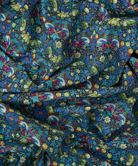 LIBERTY OF LONDON - STRAWBERRY THIEF L Green Blue 100% Cotton Tana Lawn, Per Half-Meter. Elegante Virgule Canada, CANADIAN FABRIC SHOP. Quilt Shop