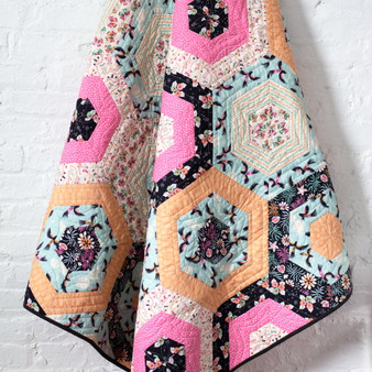 "HEXIE STRIPE QUILT Kit - TROPICAL GARDEN Cloud 9 Organic 54"" X 52"" (137x 132 cm) - Elegante Virgule Canada, Canadian Fabric Shop. Quilting Cotton"