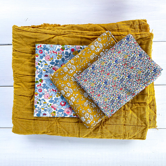 """MERCHANT MILLS  and LIBERTY OF LONDON Baby Blanket in Mustard - Quilt Kit 24"""" x 30"""" (60 x 76 cm) - Elegante Virgule Canada, Canadian Fabric Shop. Quilting Cotton"""